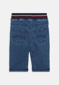 Tommy Hilfiger - BABY BOY FLAG PANT - Slim fit jeans - denim - 1