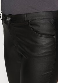 Kaffe Curve - KCADELEN COATED - Jeans Skinny Fit - black deep - 5