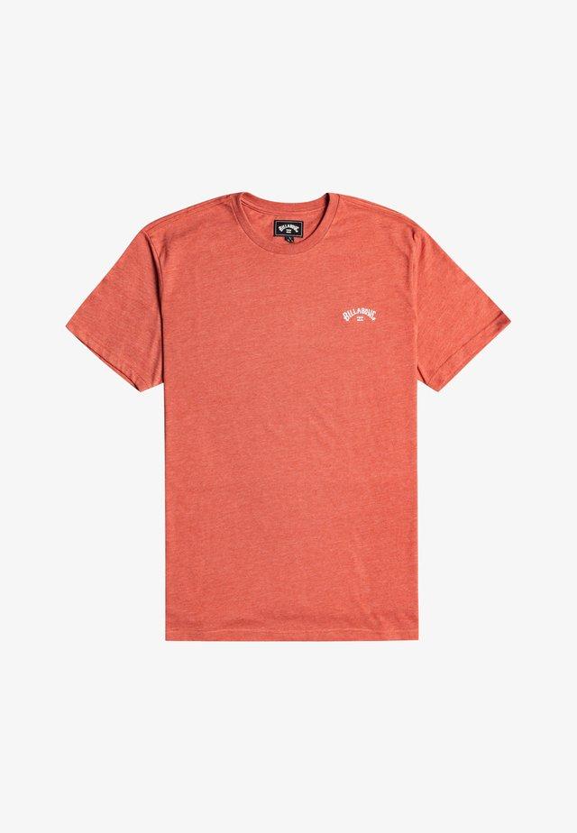 Basic T-shirt - deep red