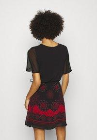 Desigual - VEST TAMPA - Sukienka letnia - black - 2