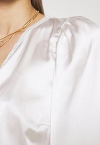 Abercrombie & Fitch - CHASE BLOUSE - Blouse - cream - 6