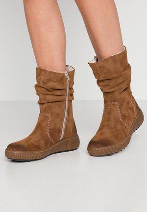 Boots - reh