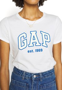 GAP - OUTLINE TEE - T-shirt z nadrukiem - snowflake/milk - 5