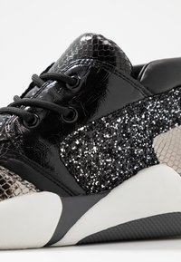Colors of California - High-top trainers - black - 2