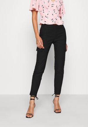 NMPERA - Pantaloni cargo - black