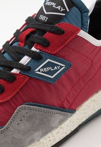 Replay - DRUM ROAD - Zapatillas - red/denim blue - 5