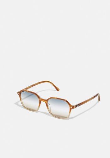 UNISEX - Sunglasses - gradient light brown/havana