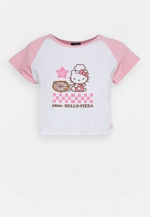 PIZZA RAGLAN BABY TEE - Camiseta estampada - pink/white
