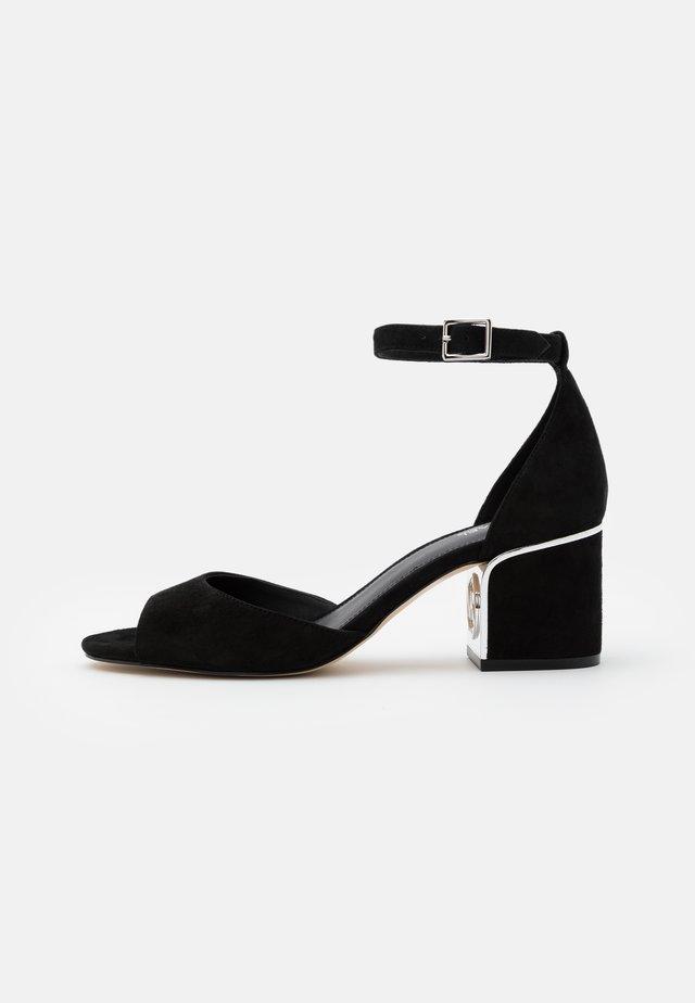 LANA MID - Sandalias - black