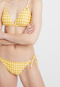 O'Neill - CAPRI BONDEY SET - Bikini - yellow/white - 4