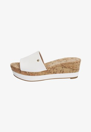 NAVY FOREVER COMFORT® MULE WEDGES - Wedge sandals - white