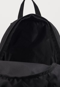 Puma - PHASE SMALL BACKPACK - Tagesrucksack - black - 2