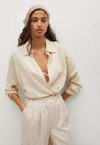 Mango - MOMA-A - Spodnie materiałowe - ecru - 3