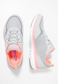 Skechers Sport - FLEX APPEAL 3.0 - Trainers - light gray/hot pink - 2