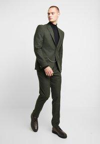 Shelby & Sons - GRANTHAM SUIT - Dress - khaki - 1