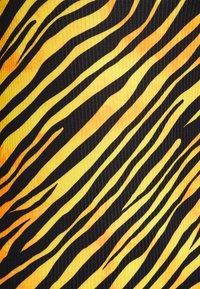 NEW girl ORDER - TIGER SQUARE NECKLINE BODYCON DRESS - Jersey dress - orange - 2