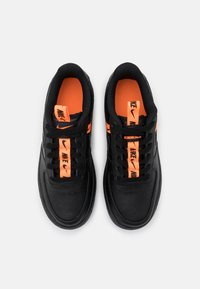 Nike Sportswear - AIR FORCE 1 - Trainers - black/total orange - 3