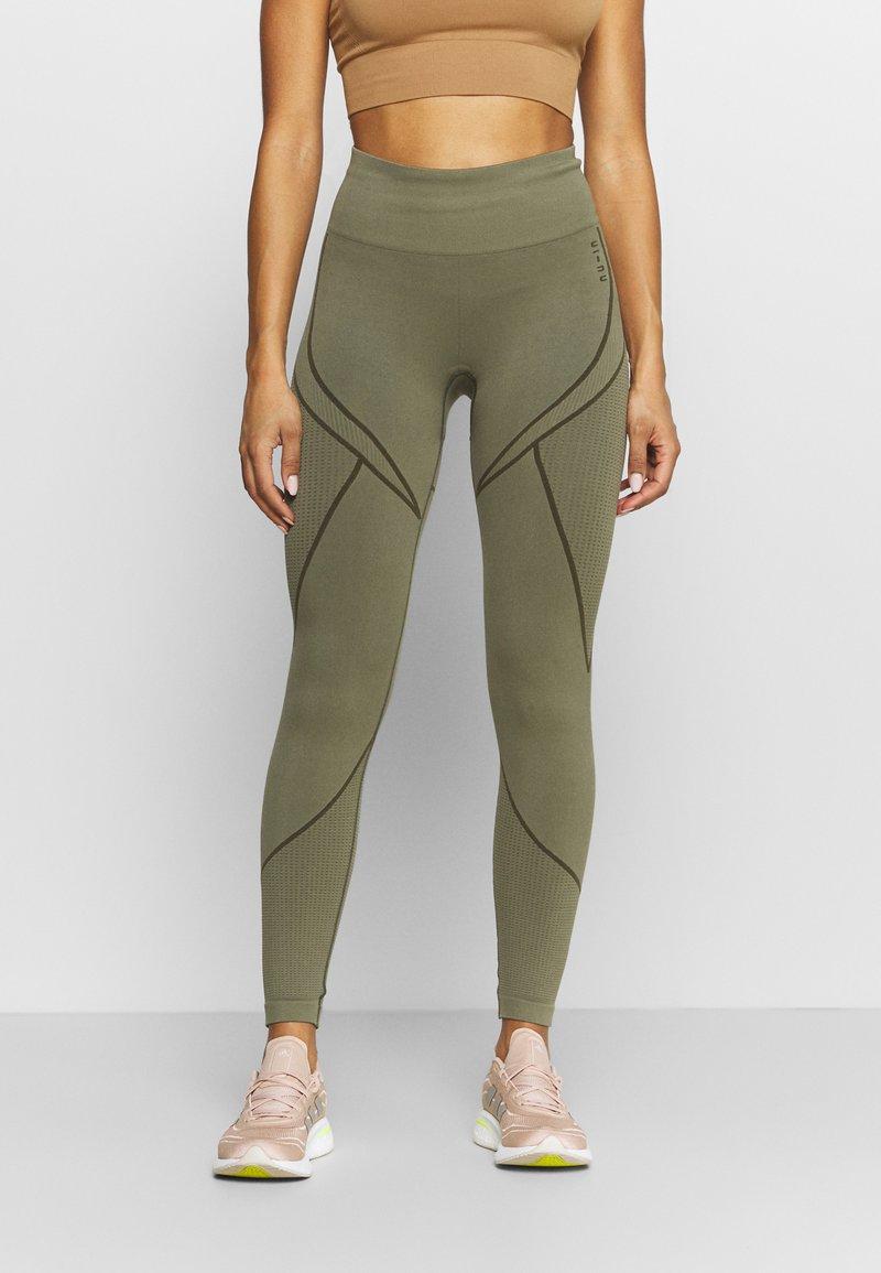 NU-IN - SEAMLESS TWO TONE HIGH WAIST LEGGINGS - Trikoot - green