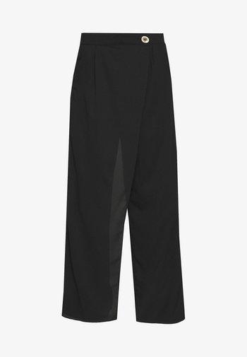 WRAP FRONT TROUSER - Trousers - black
