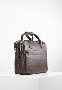 Royal RepubliQ - NANO BIG ZIP - Laptop bag - brown - 3