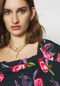 Who What Wear - EMPIRE RUCHED - Blouse - roses - 5