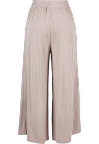 Urban Classics - Spodnie materiałowe - duskrose - 8