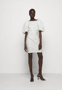 DESIGNERS REMIX - SANDRA PUFF DRESS - Fodralklänning - cream - 1