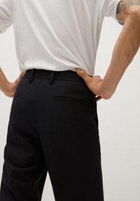 Mango - BRETON - Pantalones chinos - black - 5
