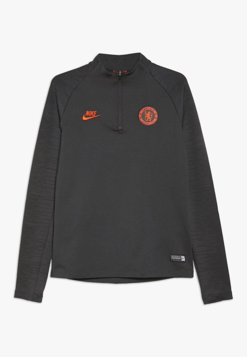 Nike Performance - CHELSEA FC STRIKE FUSSBALL-TRAININGSOBERTEIL FÜR ÄLTERE KINDER - Article de supporter - anthracite/black/rush orange