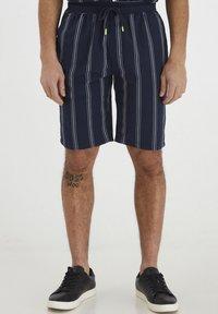 Tailored Originals - TOADRIAN  - Shorts - dark sapphire - 0
