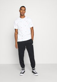 Nike Sportswear - Camiseta estampada - white - 1