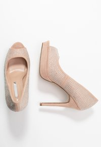 Dorothy Perkins - GIFTIE ALL OVER COURT SHOE - Peeptoe heels - blush - 3