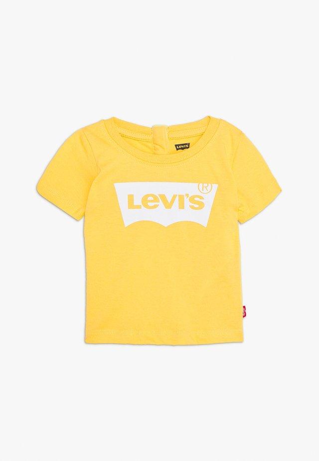 BATWING TEE - T-shirt imprimé - mimosa