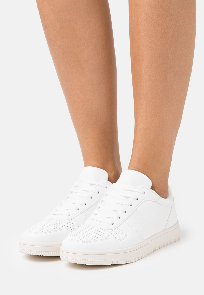 Rubi Shoes by Cotton On Wide Fit - WIDE FIT ALBA RETRO - Sneakers basse - white