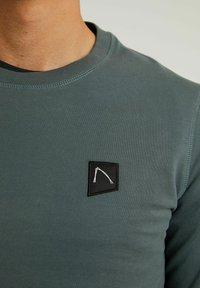 CHASIN' - RYLAN - Long sleeved top - dark blue - 4