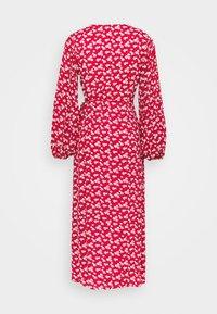Glamorous - LONG SLEEVE WRAP DRESS WITH V NECK - Maxikjole - red / white - 1