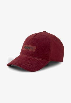 Cap - intense red