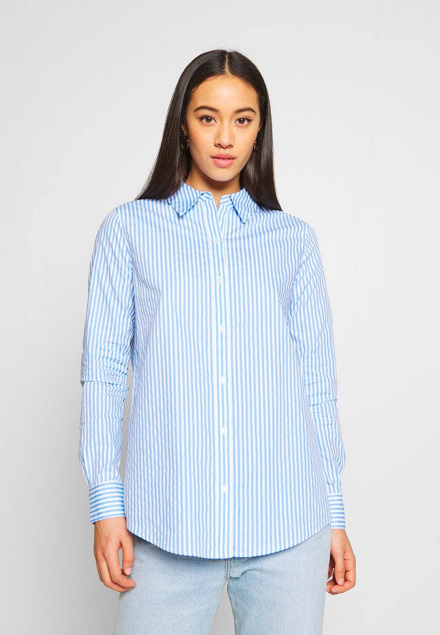 CLASSIC BUTTON UP REGULAR FIT - Button-down blouse - light blue/white