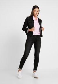 Lee - SLIM RIDER - Denim jacket - black orrick - 1