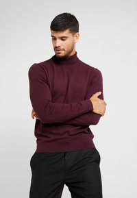 Burton Menswear London - CORE ROLL - Jumper - burgundy - 0