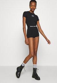Versace Jeans Couture - PANTS - Shorts - black - 6