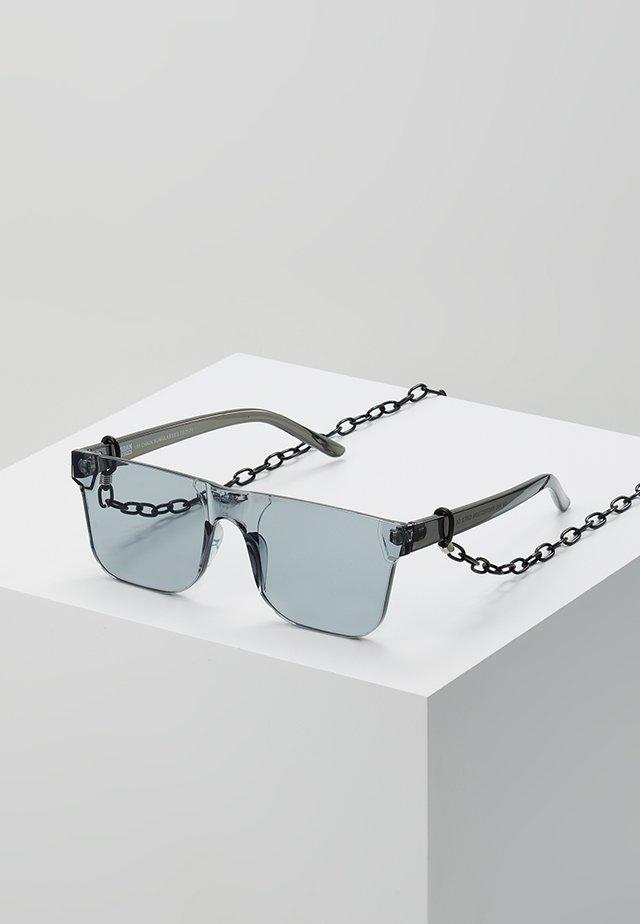CHAIN SUNGLASSES - Zonnebril - black transparent