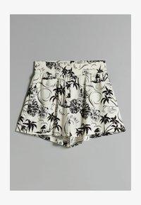 Bershka - Shorts - white - 4