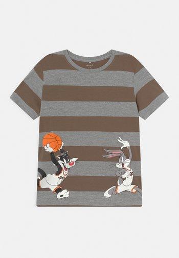 NMMSPACEJAM - T-shirt med print - grey melange