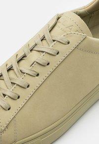 Clae - BRADLEY - Sneakersy niskie - sage green - 5