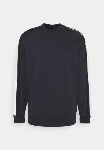 Långärmad tröja - navy/white/black