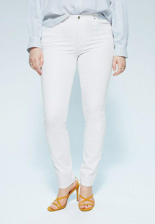 VALENTIN - Slim fit jeans - weiß