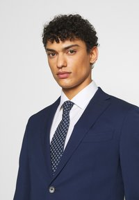Michael Kors - SLIM FIT SUIT - Suit - navy - 6