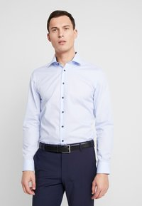 Seidensticker - BUSINESS KENT PATCH SLIM FIT - Formal shirt - light blue - 0
