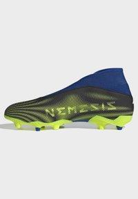 adidas Performance - NEMEZIZ.3 FG LACELESS FUSSBALLSCHUH - Moulded stud football boots - black - 5